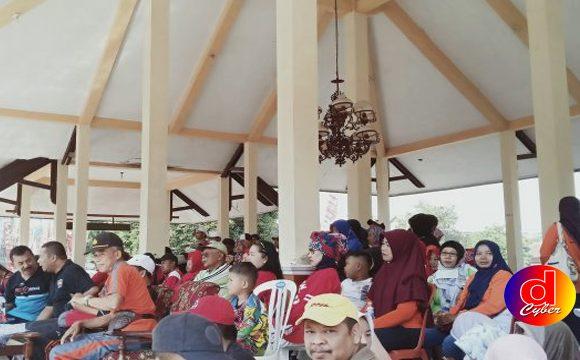 Peduli Anak Yatim dan Dhuafa, Kecamatan Sutojayan Gelar Mlaku Bareng