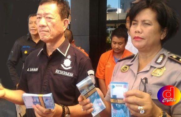 Dua Pengedar Uang Palsu Ratusan Juta Dibekuk Polisi