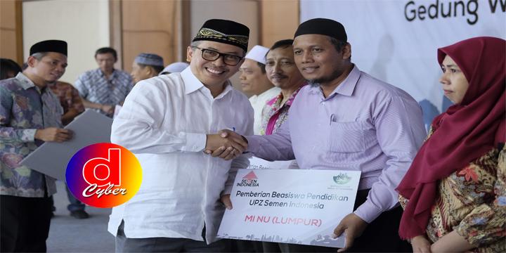 UPZ Semen Indonesia Salurkan Beasiswa Kepada 716 Siswa di Kabupaten Gresik