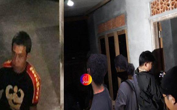 Puluhan Polisi Geledah Rumah Sita Pedang Hingga Senapan