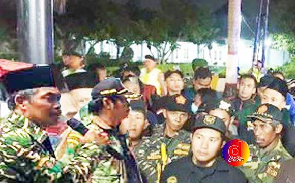 Ormas Islam Blitar Geruduk Rumdin Plt Wali Kota, Ada Apa?