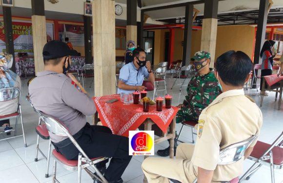 Sinergi TNI-Polri Batuwarno Kawal Penyaluran BST