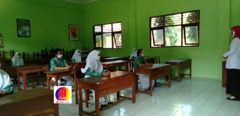 Ujian Akhir Semester Gasal Dimasa Pandemi Di Kabupaten Klaten Tetap Dilaksanakan Dengan Protokol Kesehatan Yang Ketat