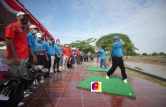 Mantap! Ada Tempat Latihan Golf di Kawasan Taman Lalu Lintas Bantaran Kali Madiun