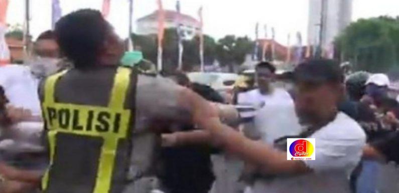 Polisi Amankan Ratusan Pendemo 1812, Reaktif Covid – 19 Sebanyak 27 Orang