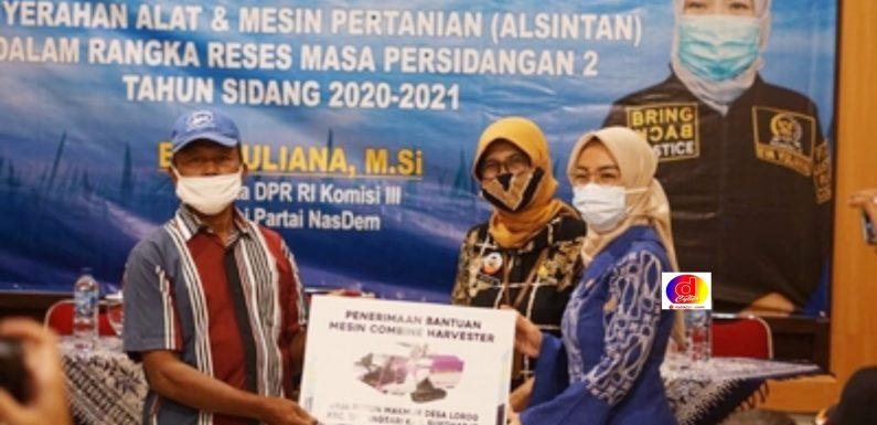 Anggota DPR Eva Yuliana Serahkan Bantuan Alsintan 49 Unit Bagi Petani di Kabupaten Sukoharjo