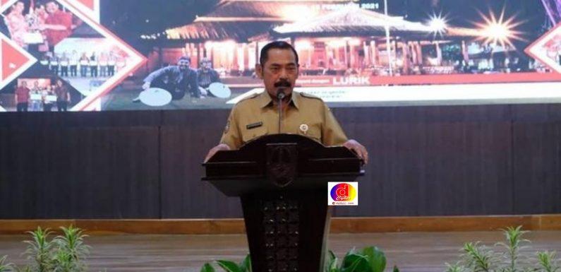 Walikota Surakarta: Kukuhkan  2.788 RT dan 626 RW Secara Online Masa Bhakti 2021-2021