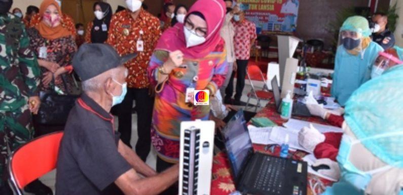 Pencanangan Vaksinisasi Covid-19 Bagi Lansia Di Sukoharjo: Desa Keteguhan dan Kelurahan Jetis