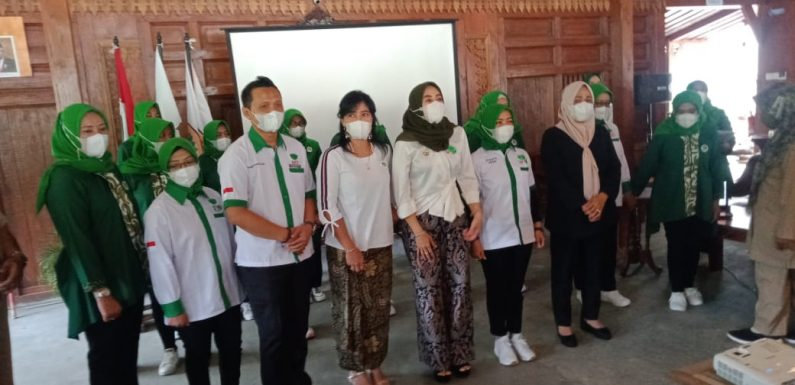 "Ini Kronologis Lengkap Saat Tim Pengendali Covid-19 Desa Harjosari ""Sambangi' Pelantikan Pengurus wanita  HKTI Karanganyar"