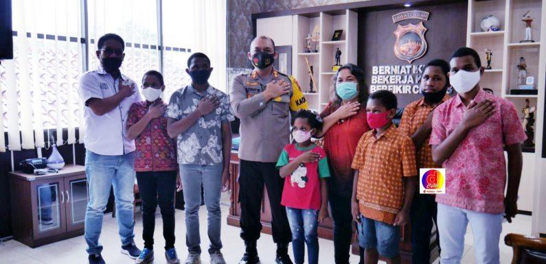 Kapolres Karanganyar Mengangkat Anak Asuh Pelajar Asli Papua Yang Sekolah di Karanganyar