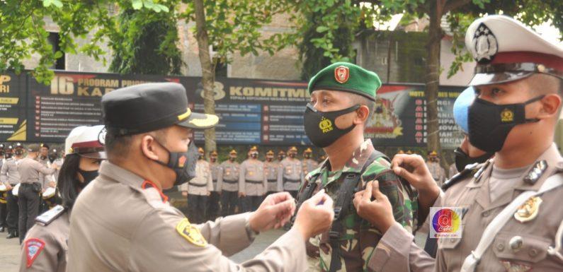 Satu SST Anggota Kodim 0728/Wonogiri Ikuti Apel Gelar Pasukan Operasi Keselamatan Lalu Lintas Candi 2021