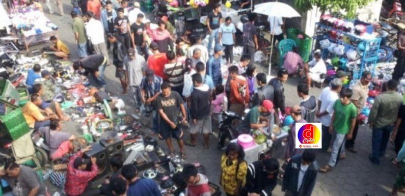 Membludaknya Pengunjung Di Pasar Notoharjo Solo, Ini yang Dilakukan Satgas Covid-19 Kecamatan Pasar Kliwon