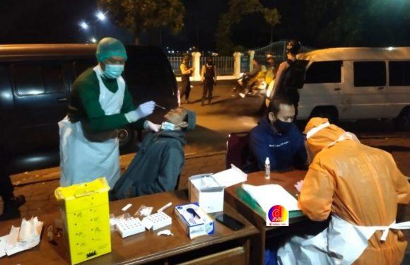 132 Pedagang Bermobil di Alun-alun Utara Keraton Solo Di Swab Test Antigen, 4 Pedagang Reaktif