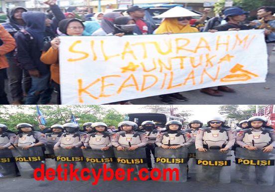 Ingin Bertemu Ibunda Jokowi, Pendemo PT RUM Dihadang Polisi