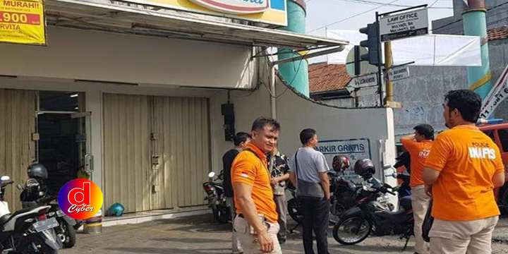 Perampok Bersenjata Gasak 2 Minimarket